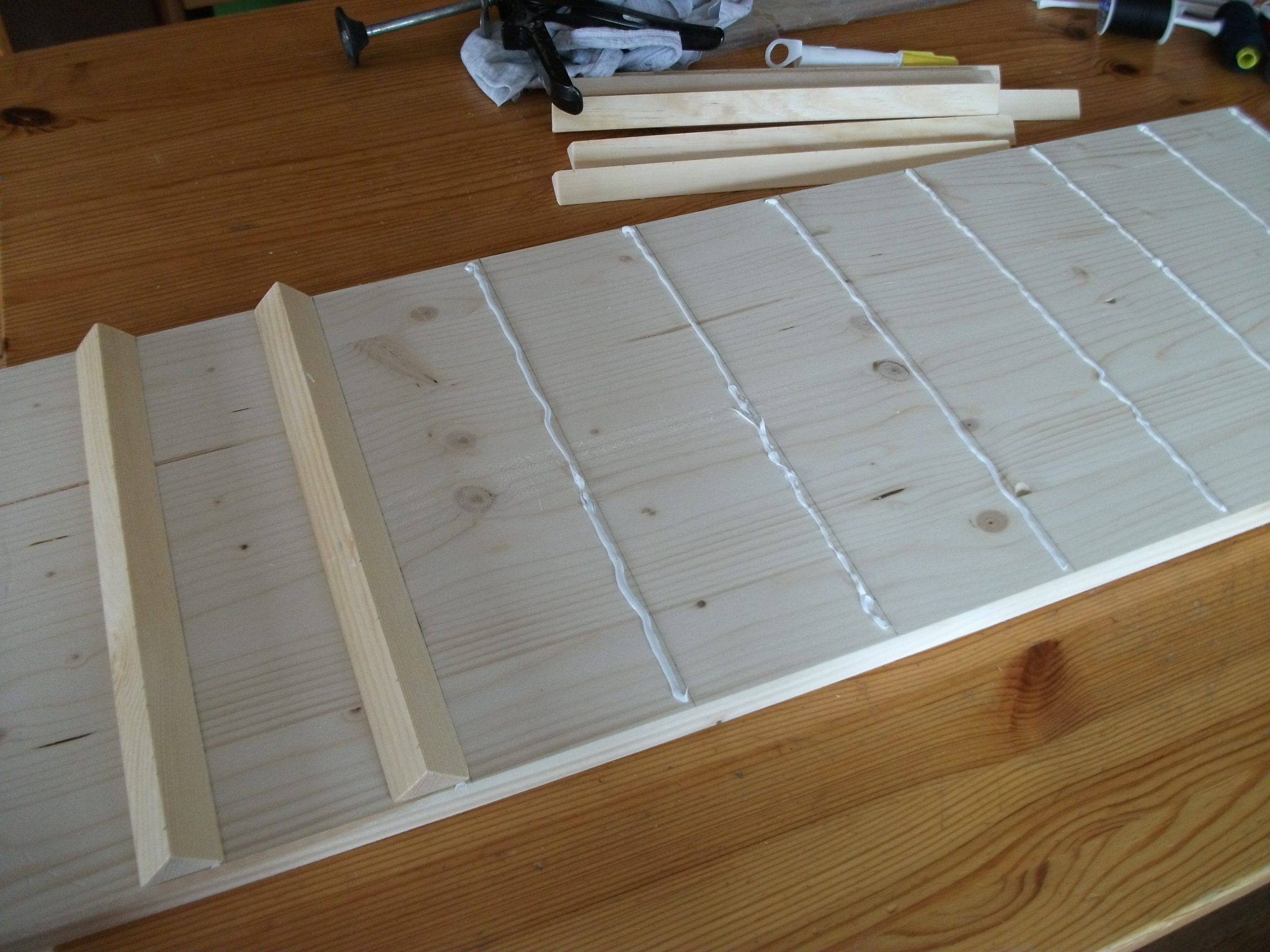 garnrollenhalter selber bauen my toolbox mein bastel. Black Bedroom Furniture Sets. Home Design Ideas